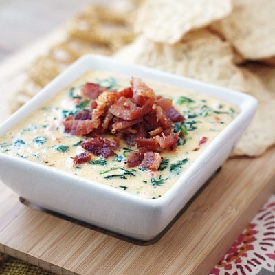 Superbowl Cheesy Spinach & Bacon Dip