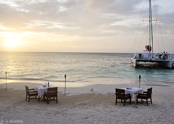 A romantic dinner on the beach. Must do!!