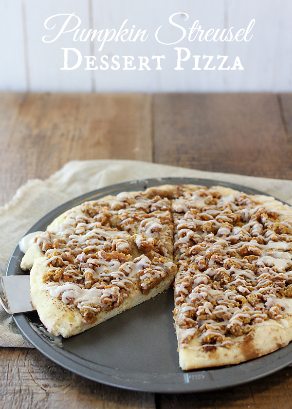 This might be the ultimate fall dessert: Pumpkin Streusel Dessert Pizza!