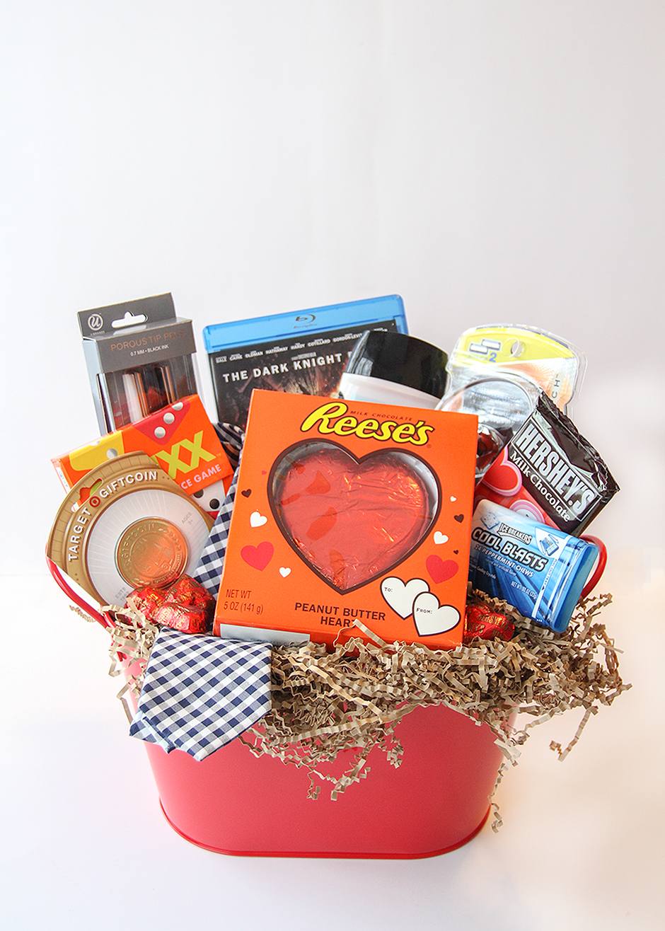 Valentine 39 s day gift basket for him busy mommy for Small valentines gifts for him