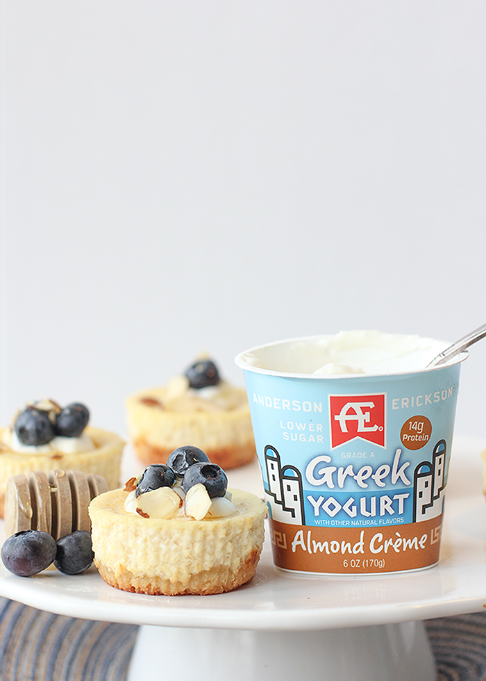 Mini cheesecakes made with Greek yogurt